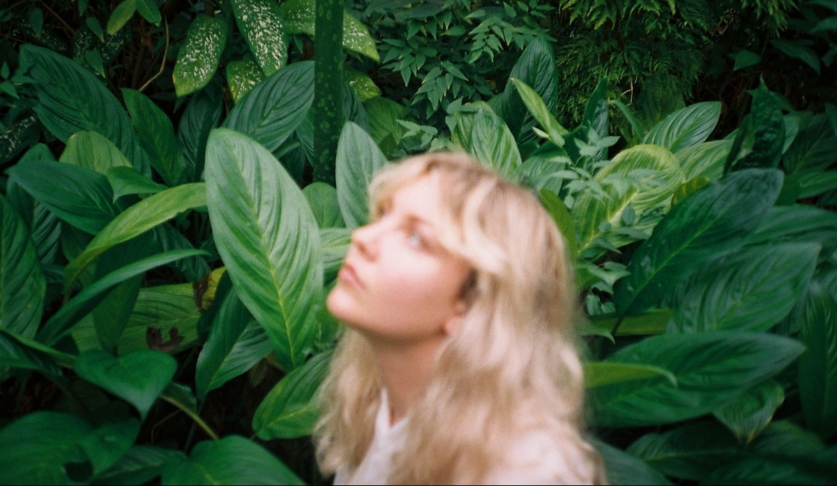 Jade Imagine Walkin Around discovered on Triple J - From Melbourne Our Golden Friend EP upcoming on Milk Records - Indie rock