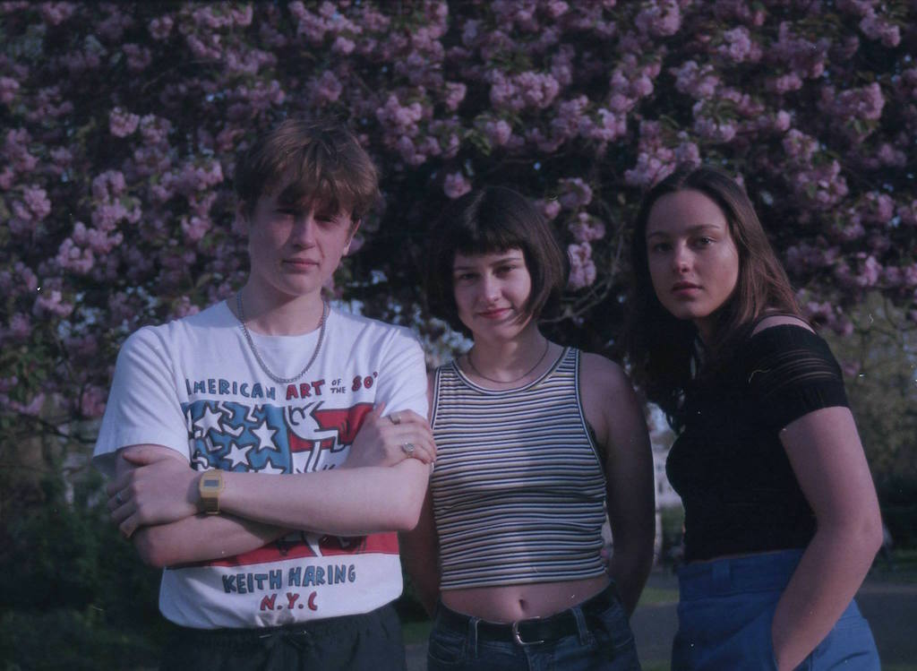The Orielles - I Only Bought It For The Bottle and Sugar Tastes Like Salt are two great british rock tunes of 2017 from Liverpool band The Orielles