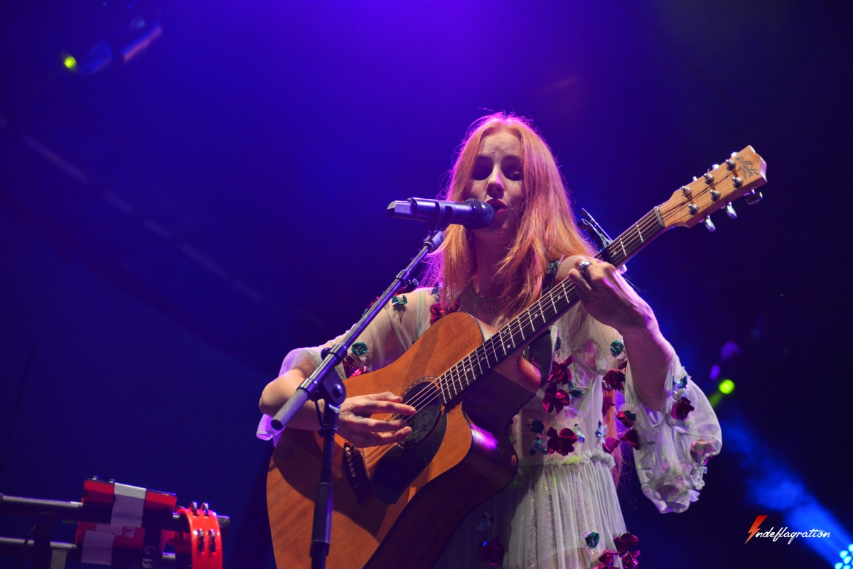 Vera Blue live at Big Pineapple Music Festival 2017 on The Sunshine Coast playing Settle on the guitar - Indeflagration