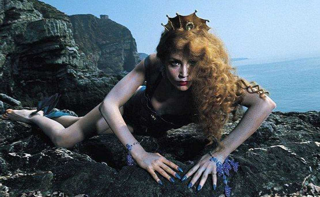 Siren by Roxy Music (1975) - Photo shoot with Jerry Hall, Bryan Ferry's girlfriend - Article on Sentimental Fool